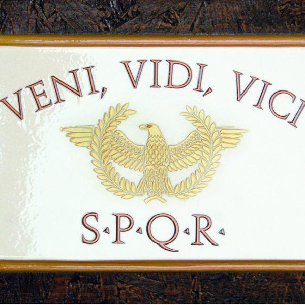 """Targa Vintage """"Veni Vidi Vici"""" dell'Accademia delle Insegne d'Epoca"""