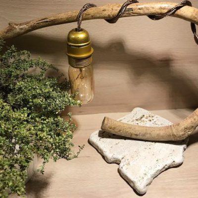 """""""Lampada in radice di bagolaro"""" di Silvia's woodlamp"""